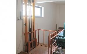 信阳室内升降货梯